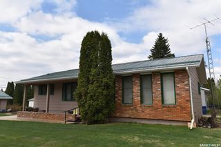 Photo 3: 318 Maple Road East in Nipawin: Residential for sale : MLS®# SK855852