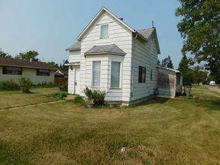 Photo 1: 5402 50 Avenue: Lamont House for sale : MLS®# E4256884