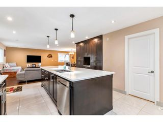"""Photo 3: 17345 63A Avenue in Surrey: Cloverdale BC House for sale in """"Cloverdale"""" (Cloverdale)  : MLS®# R2446374"""