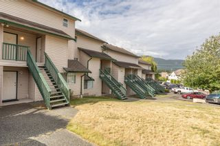 Photo 1: 206 1908 Bowen Rd in Nanaimo: Na Central Nanaimo Row/Townhouse for sale : MLS®# 879450