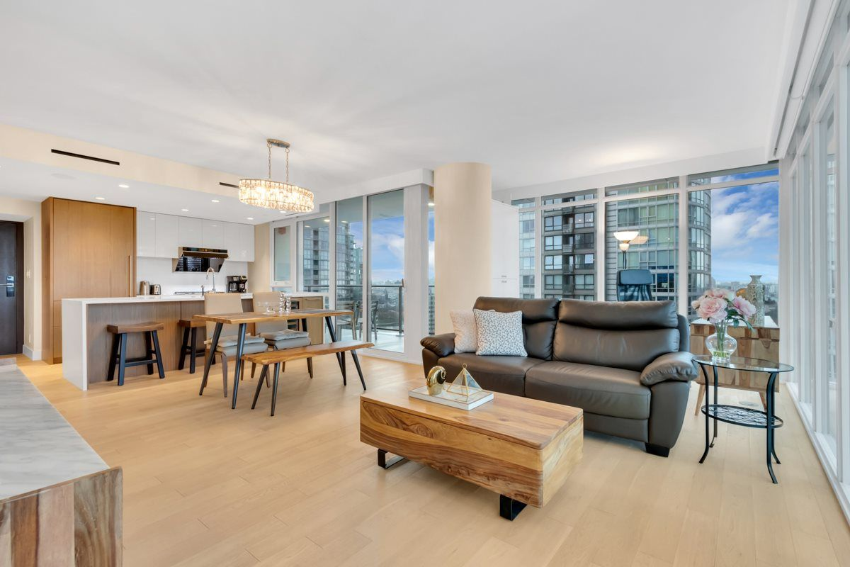 """Photo 9: Photos: 2001 499 PACIFIC Street in Vancouver: Yaletown Condo for sale in """"The Charleson"""" (Vancouver West)  : MLS®# R2456013"""