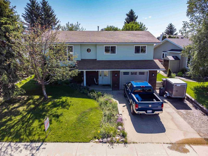 FEATURED LISTING: 212 21 Street Cold Lake