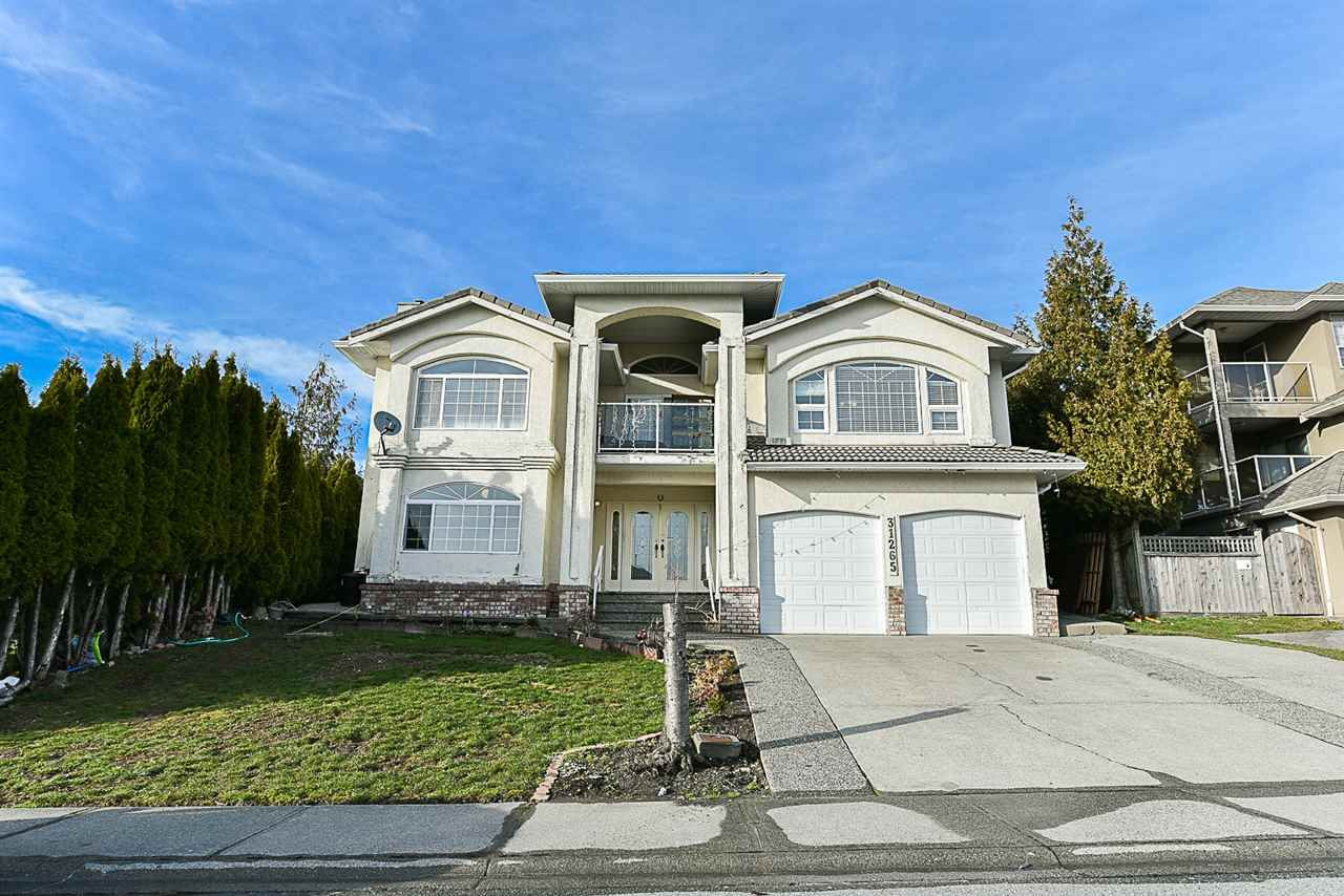 Main Photo: 31265 COGHLAN Place in Abbotsford: Abbotsford West House for sale : MLS®# R2144612