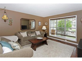 Photo 3: 444 PRESTWICK Circle SE in Calgary: McKenzie Towne House for sale : MLS®# C4067269