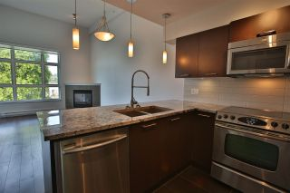 Photo 5: 307 5682 WHARF Avenue in Sechelt: Sechelt District Condo for sale (Sunshine Coast)  : MLS®# R2557264