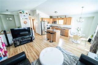 Photo 4: 1018 Stardust Avenue in Winnipeg: Single Family Detached for sale (4H)  : MLS®# 1905905
