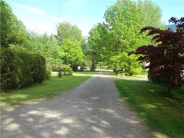 Photo 17: Photos: 58597 LOUGHEED Highway: Agassiz Manufactured Home for sale : MLS®# H1401102