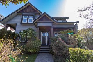 Photo 1: 1532 BEWICKE AVENUE in North Vancouver: Central Lonsdale 1/2 Duplex for sale : MLS®# R2560346