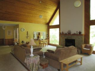 Photo 10: 2403 CAUGHLIN ROAD in Fruitvale: House for sale : MLS®# 2460957