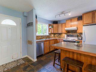 "Photo 3: 12136 SCHMIDT Crescent in Maple Ridge: Northwest Maple Ridge Townhouse for sale in ""Woodland Park"" : MLS®# R2580880"