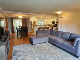 Photo 3: 2073 WILEROSE Street in Abbotsford: Central Abbotsford House for sale : MLS®# R2481917