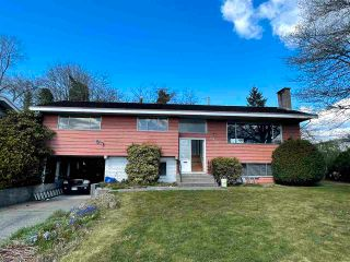 Photo 3: 6905 HYCREST Drive in Burnaby: Montecito House for sale (Burnaby North)  : MLS®# R2561018