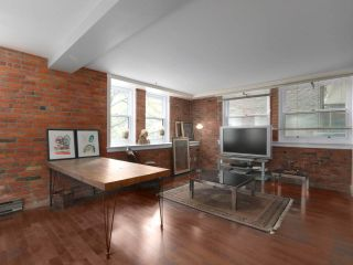 """Photo 1: 205 233 ABBOTT Street in Vancouver: Downtown VW Condo for sale in """"ABBOTT PLACE"""" (Vancouver West)  : MLS®# R2590257"""