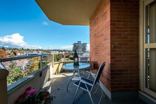"""Photo 9: 1001 160 W KEITH Road in North Vancouver: Central Lonsdale Condo for sale in """"VICTORIA PARK WEST"""" : MLS®# R2115638"""