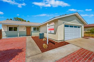 Photo 5: House for sale : 4 bedrooms : 6380 Amberly Street in San Diego