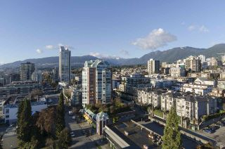 """Photo 3: 1804 145 ST. GEORGES Avenue in North Vancouver: Lower Lonsdale Condo for sale in """"Talisman Tower"""" : MLS®# R2426271"""
