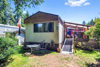 """Photo 19: 33 2305 200 Street in Langley: Brookswood Langley Manufactured Home for sale in """"Cedar Lane Park"""" : MLS®# R2465102"""