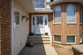 Photo 2: 15632 85 Street in Edmonton: Zone 28 House for sale : MLS®# E4253871