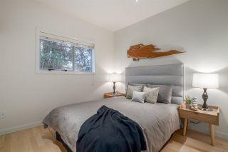 Photo 8: 404 E 10TH AVENUE in Vancouver: Mount Pleasant VE 1/2 Duplex for sale (Vancouver East)  : MLS®# R2244981