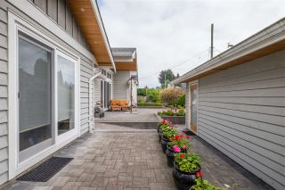 """Photo 33: 1291 PINEWOOD Crescent in North Vancouver: Norgate House for sale in """"Norgate"""" : MLS®# R2516776"""