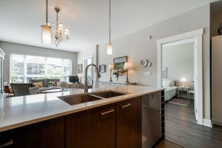 Photo 8: 304 2473 ATKINS Avenue in Port Coquitlam: Central Pt Coquitlam Condo for sale : MLS®# R2601282