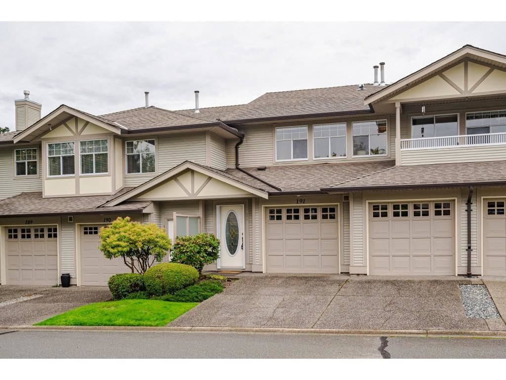 """Main Photo: 191 20391 96 Avenue in Langley: Walnut Grove Townhouse for sale in """"CHELSEA GREEN"""" : MLS®# R2621978"""
