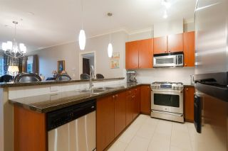"""Photo 4: 415 14 E ROYAL Avenue in New Westminster: Fraserview NW Condo for sale in """"VICTORIA HILL"""" : MLS®# R2320598"""