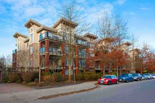 Photo 2: 304 15385 101A Avenue in Surrey: Guildford Condo for sale (North Surrey)  : MLS®# R2554123