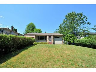 Photo 2: 929 CLARKE RD in Port Moody: College Park PM House for sale : MLS®# V1075461
