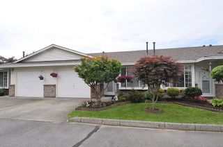 Photo 1: 10 18960 ADVENT ROAD in Pitt Meadows: Central Meadows Townhouse for sale : MLS®# R2077067