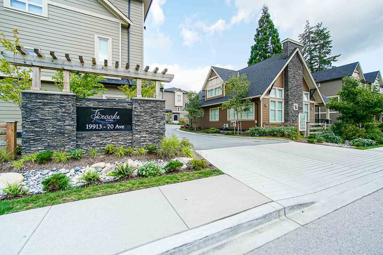 """Main Photo: 40 19913 70 Avenue in Langley: Willoughby Heights Townhouse for sale in """"Brooks"""" : MLS®# R2421609"""