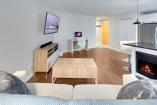 """Photo 2: 202 1199 SEYMOUR Street in Vancouver: Downtown VW Condo for sale in """"BRAVA"""" (Vancouver West)  : MLS®# R2260600"""