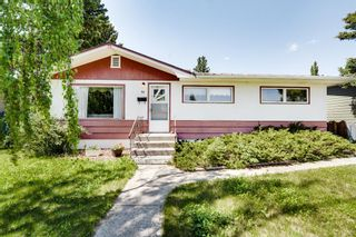 Photo 2: 73 Galway Crescent SW in Calgary: Glamorgan Detached for sale : MLS®# A1116247