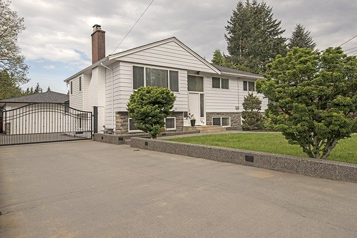 Main Photo: 682 WILMOT Street in Coquitlam: Central Coquitlam House for sale : MLS®# R2062598