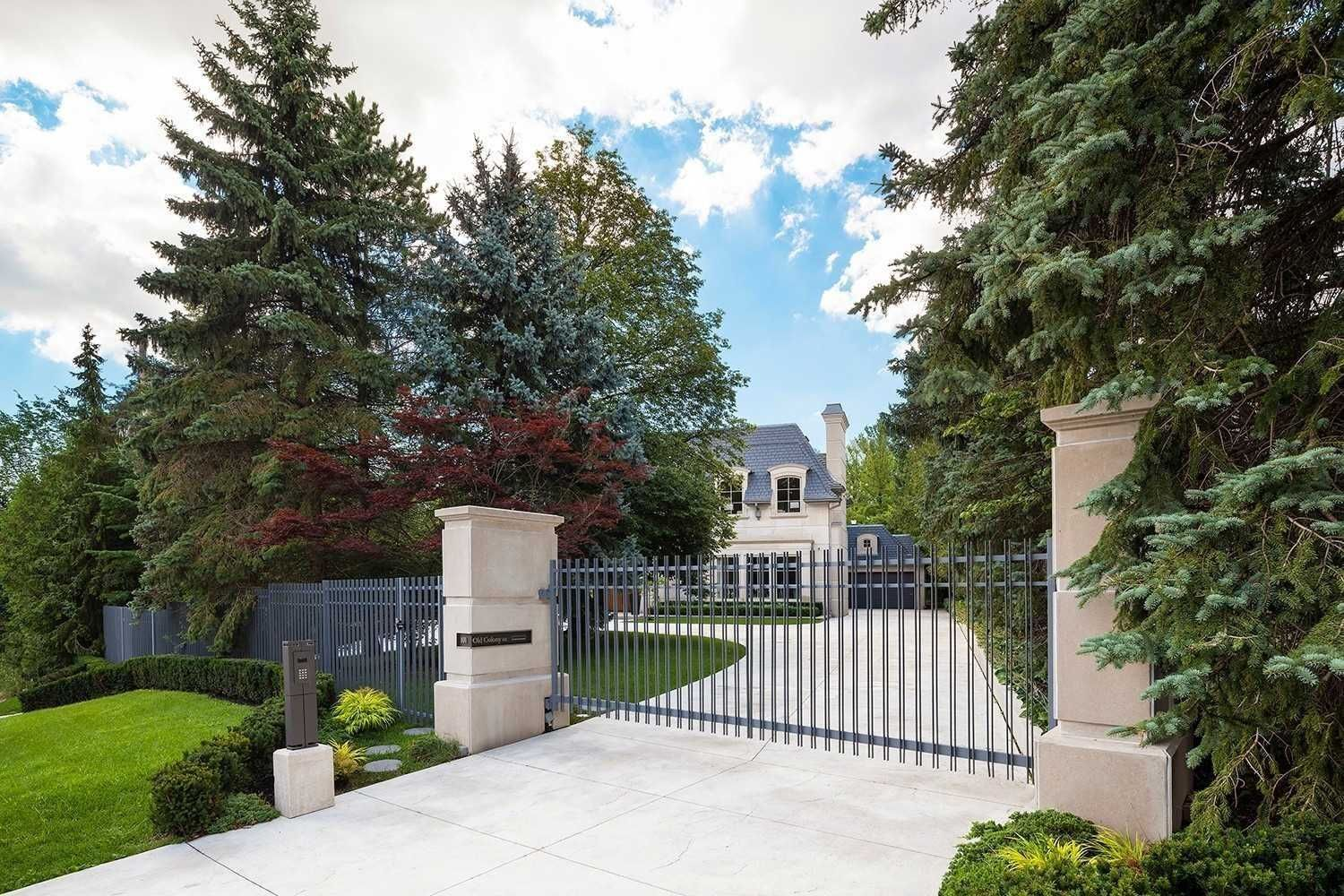 Main Photo: 101 Old Colony Road in Toronto: St. Andrew-Windfields House (2-Storey) for sale (Toronto C12)  : MLS®# C5165230