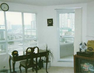 """Photo 3: 501 3455 ASCOT PL in Vancouver: Collingwood Vancouver East Condo for sale in """"QUEENS COURT"""" (Vancouver East)  : MLS®# V572520"""
