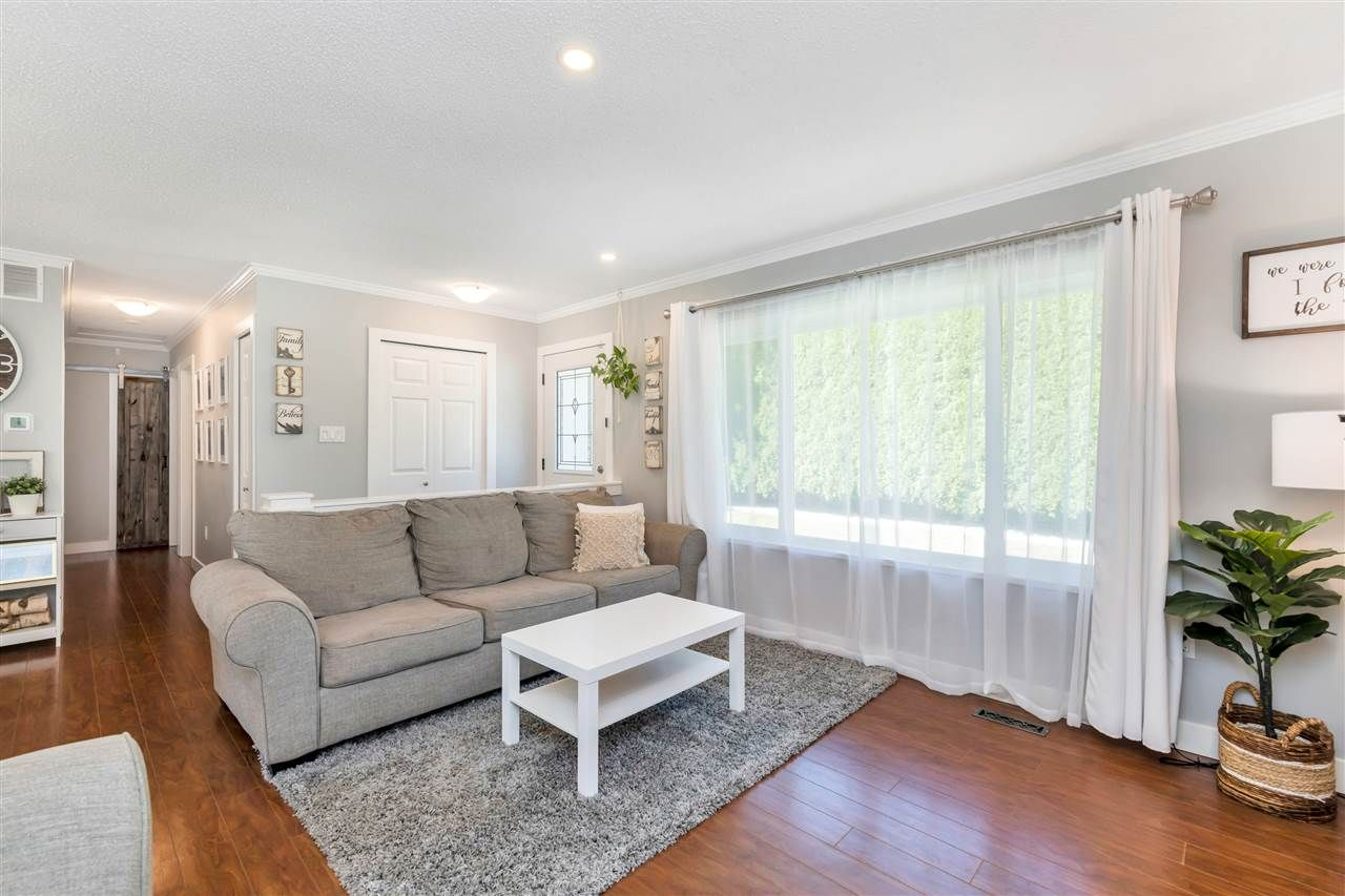 Photo 8: Photos: 32626 BADGER Avenue in Mission: Mission BC House for sale : MLS®# R2493289