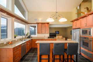 Photo 6: 4688 EASTRIDGE Road in North Vancouver: Deep Cove House for sale : MLS®# R2565563