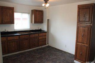 Photo 2: 304 4th Street East in Wilkie: Residential for sale : MLS®# SK830977