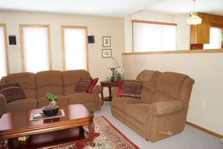 Photo 16: 98 Larch Bay in Oakbank: Single Family Detached for sale : MLS®# 1304327