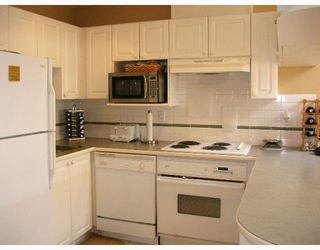Photo 5: PH2 5723 BALSAM Street in Vancouver: Kerrisdale Condo for sale (Vancouver West)  : MLS®# V766127