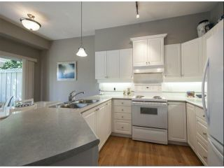 """Photo 6: 1 14877 33RD Avenue in Surrey: King George Corridor Townhouse for sale in """"SANDHURST"""" (South Surrey White Rock)  : MLS®# F1402947"""