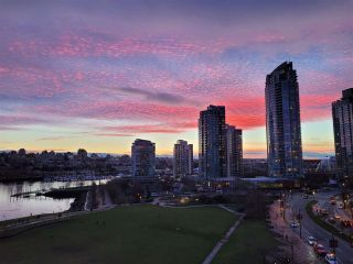 "Photo 25: 10C 199 DRAKE Street in Vancouver: Yaletown Condo for sale in ""CONCORDIA 1"" (Vancouver West)  : MLS®# R2539673"