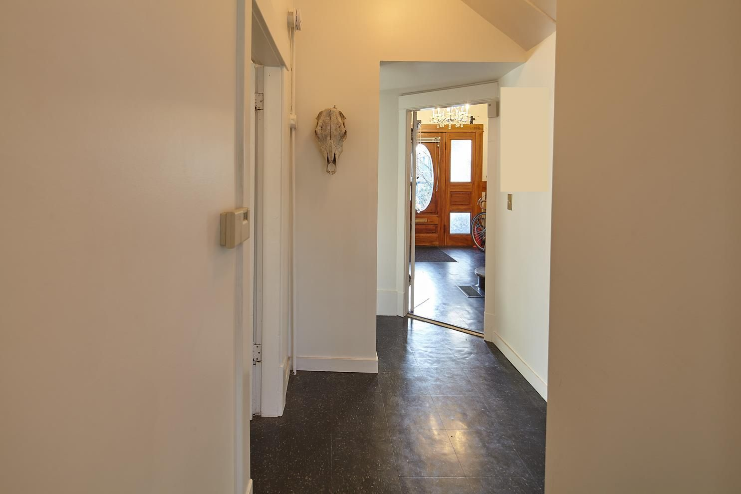 Photo 16: Photos: 1943 NAPIER Street in Vancouver: Grandview Woodland House for sale (Vancouver East)  : MLS®# R2423548