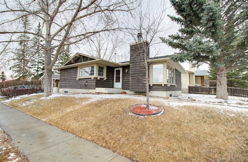 FEATURED LISTING: 127 Visser Place Okotoks