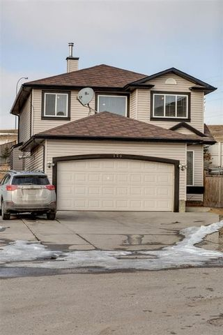 Photo 1: 220 COVEMEADOW Court NE in Calgary: Coventry Hills House for sale : MLS®# C4160697