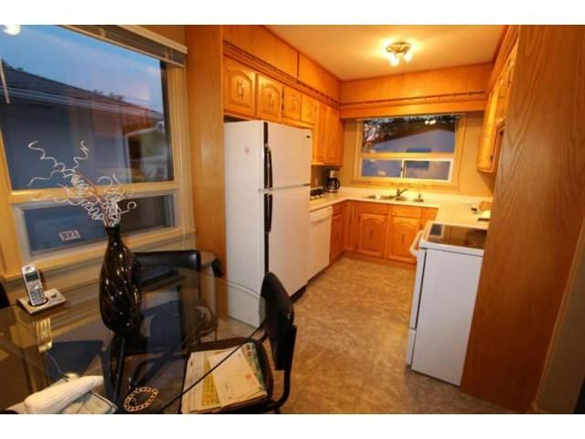 Photo 5: Photos: 659 Brock Street in WINNIPEG: River Heights / Tuxedo / Linden Woods Residential for sale (South Winnipeg)  : MLS®# 1310354