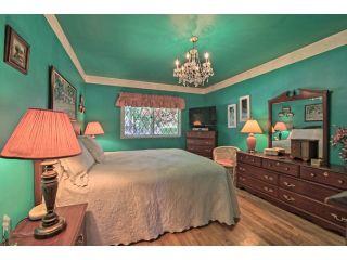Photo 10: 2027 BRIDGMAN AV in North Vancouver: Pemberton Heights House for sale : MLS®# V1061610