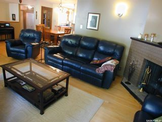 Photo 3: 1681 Bader Crescent in Saskatoon: Montgomery Place Residential for sale : MLS®# SK859402