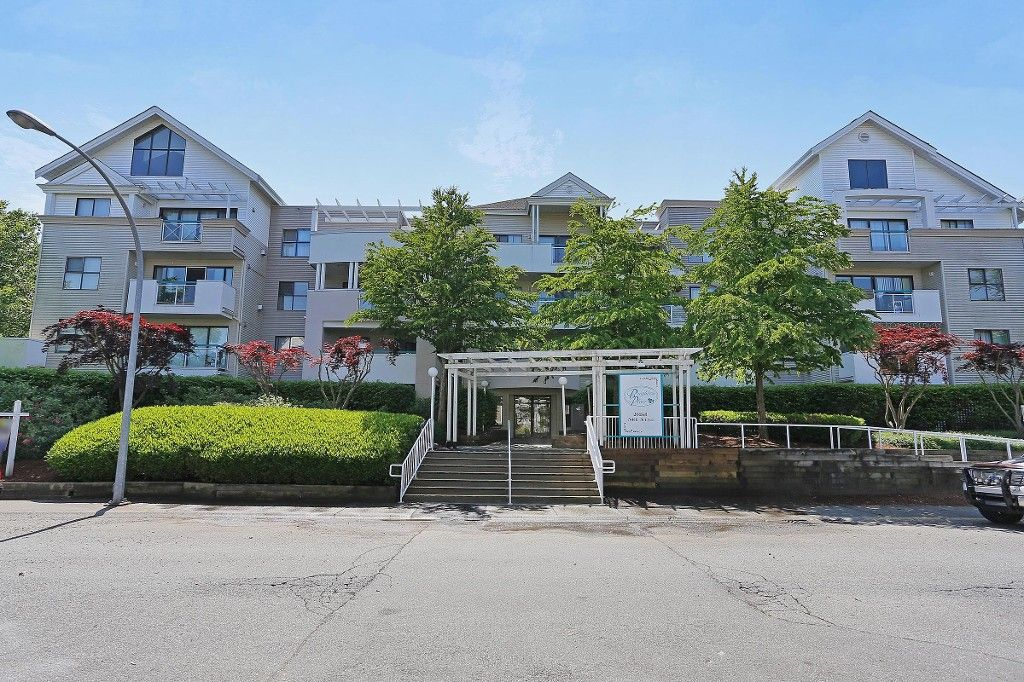 "Main Photo: 101 20268 54 Avenue in Langley: Langley City Condo for sale in ""BRIGHTON PLACE"" : MLS®# R2147886"